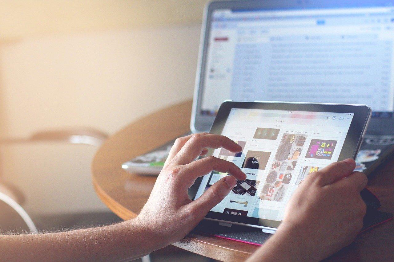 5Gになりyoutubeがネットの主流になる。その前にアプリの操作性を変えてほしい。