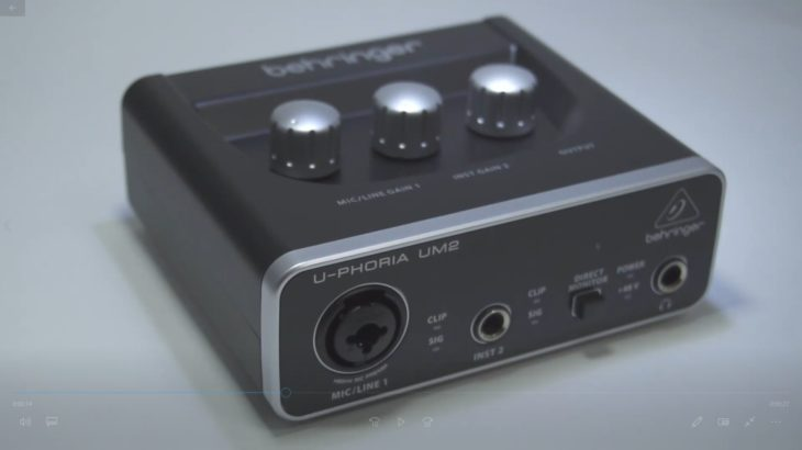 オーディオインターフェースのベリンガーUM2の外観撮影して動画編集してみた。